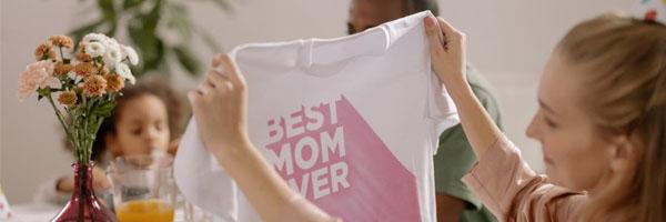 familyyoga.se 600x200 0000 Layer 5 - Tryckt t-shirt av god kvalitet